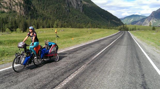 8000 km na rowerach i Mongolia na 4 łapach, czyli Wataha w Podróży 2014