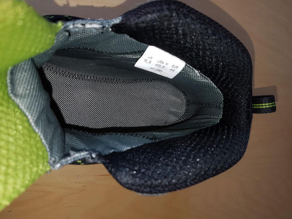 Podeszwa GoreTex jest nawet pod wkładką buta