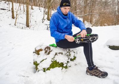 Raczki turystyczne – lekki patent na łatwe zimowe szlaki