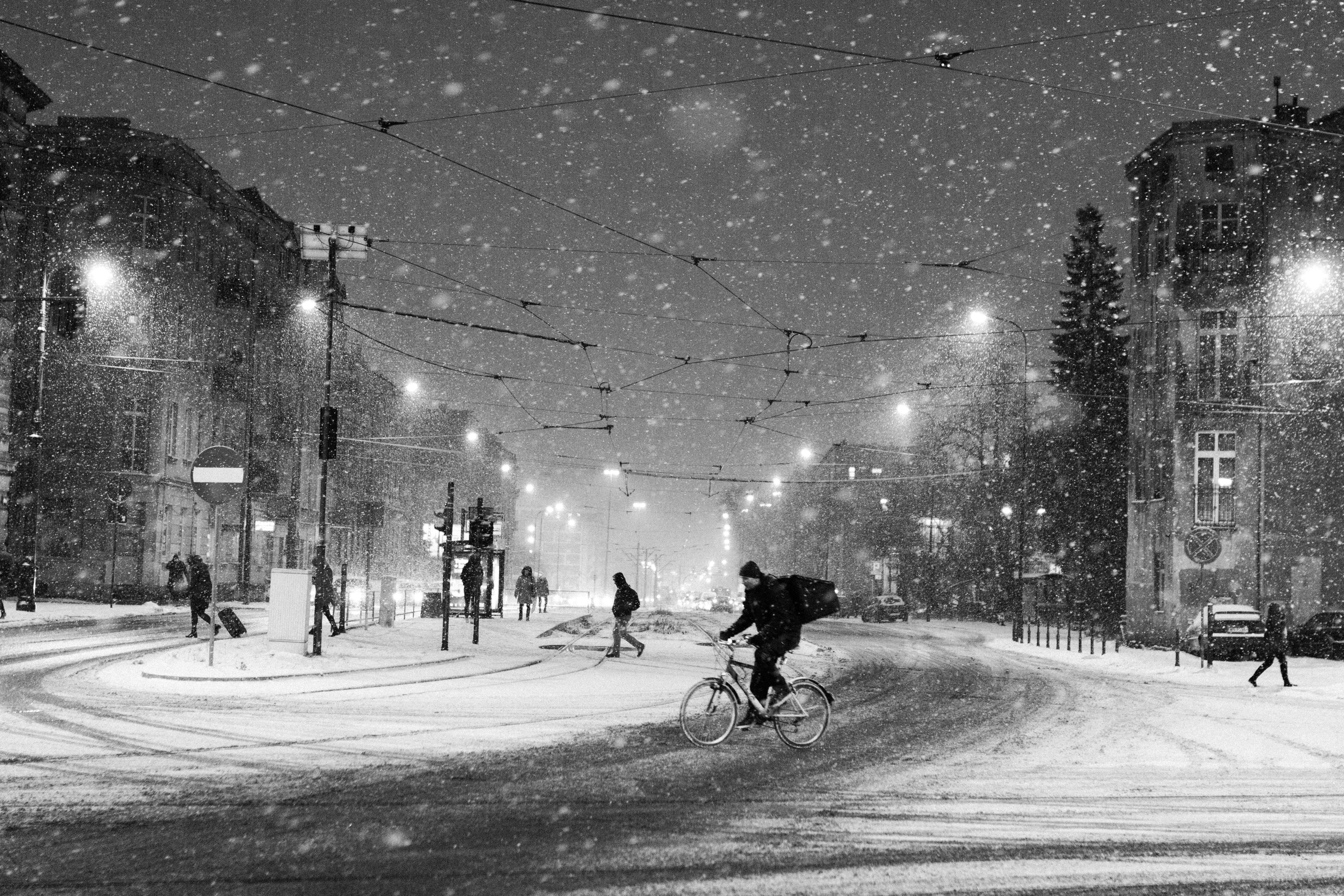 Zima – sezon na urazy. Jak zabezpieczyć się przed niebezpieczną kontuzją