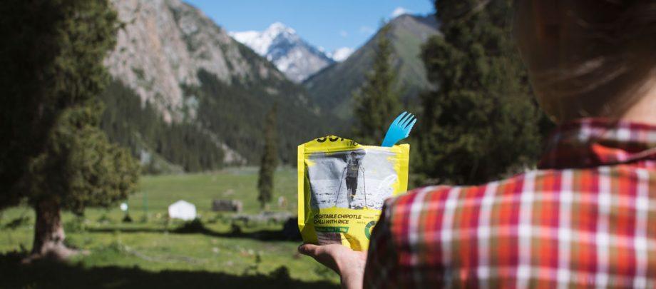 otwarte-opakowanie-liofilizatow-summit-to-eat-w-gorach